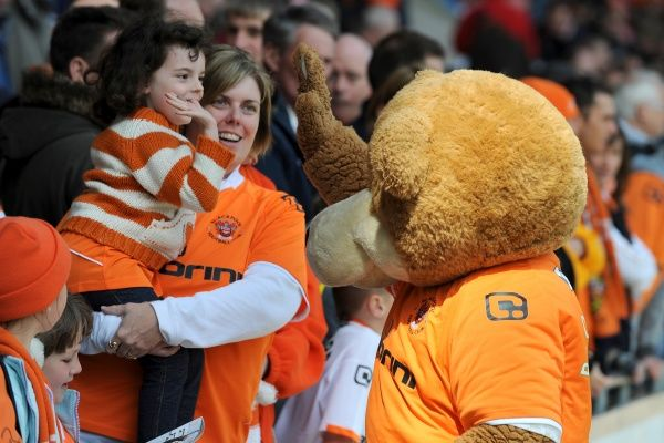 Blackpool mascot Bloomfield Bear greets the fans prior to kick off