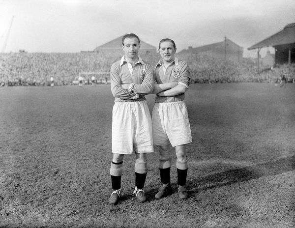 Stanley Matthews (L) and Stan Mortensen, Blackpool