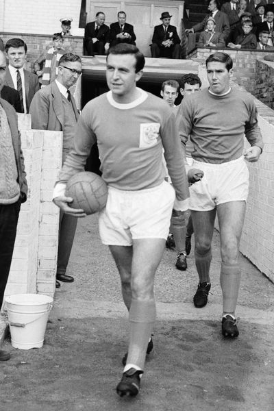Jimmy Armfield. Blackpool captain Jimmy Armfield leads his team out