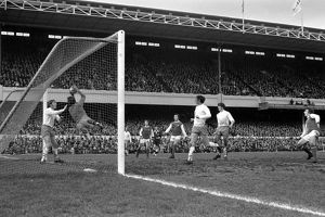League Division One - Arsenal v Blackpool - Highbury